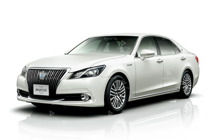 Замена ламп ближнего света Toyota Crown Majesta в Нижнем Новгороде